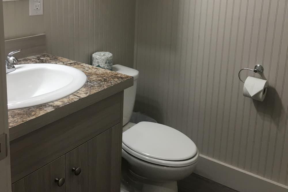 キャビン クイーンベッド 2 台 - バスルーム