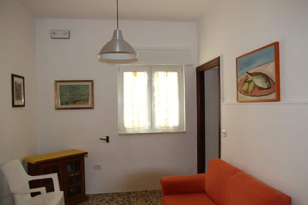 منزل - غرفتا نوم - في منطقة الحديقة - منطقة المعيشة