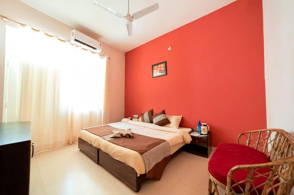 Executive Double Room, 1 Double Bed, Mountain View - Living Area