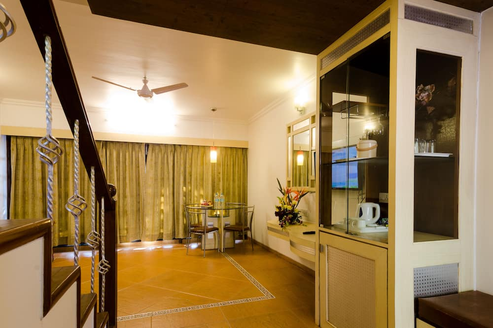 Signature Suite, 1 Double Bed - Living Area