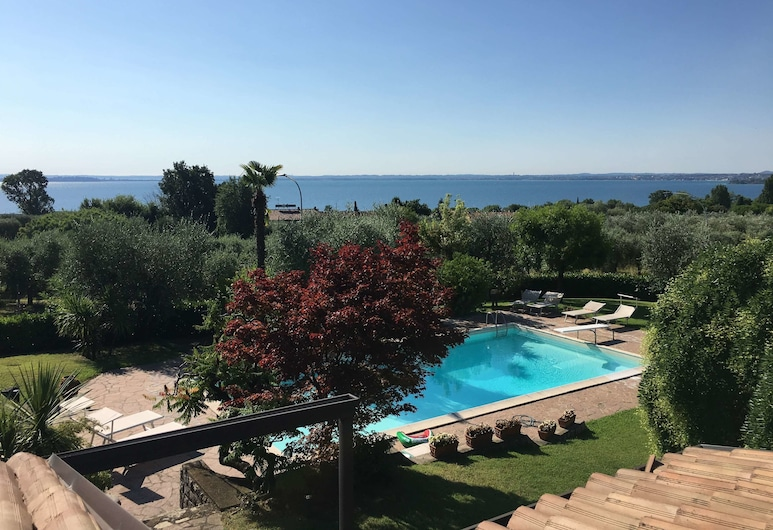 Villa Armonia del Garda, Moniga del Garda, View from property