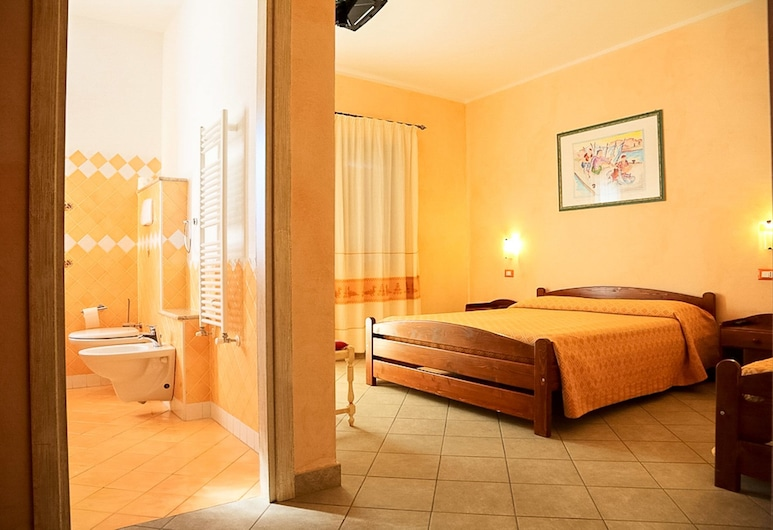 Melalidone, Orosei, Triple Room, Guest Room