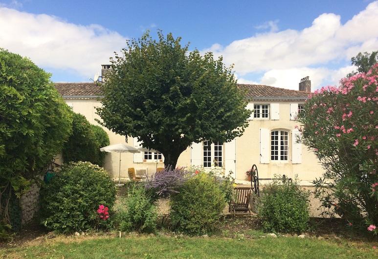 Logis de Chenac, Chenac-Saint-Seurin-d'Uzet, Have