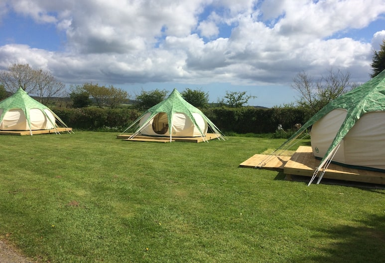 Mena Farm: Touring, Camping, Glamping, Bodmin, Classic Tent, 1 Double Bed (Oak), Room