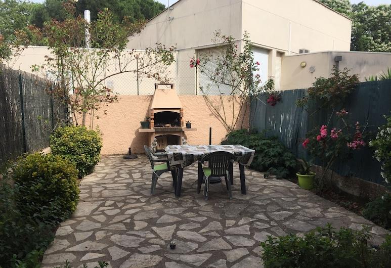 Chez Brigitte, Agde, Hiên