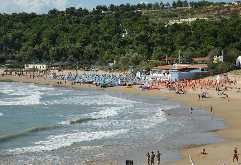 Residence Club Sole Mare, Vieste, Beach