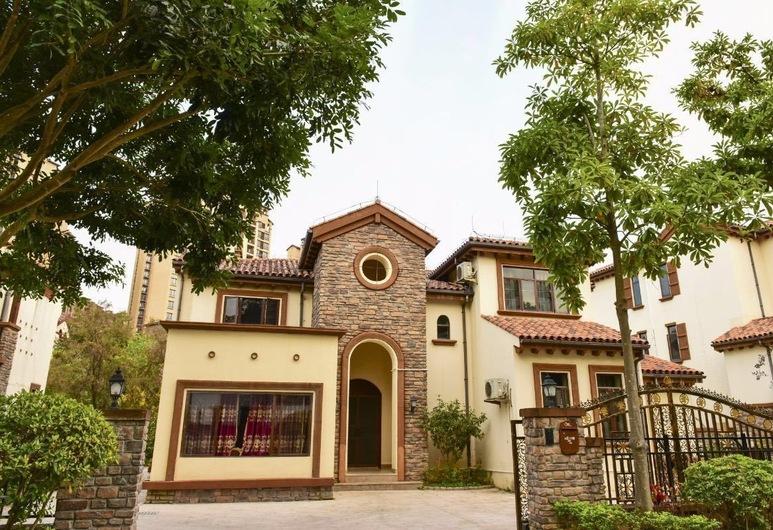 Hele Family Hot Spring Villa No.12, Huizhou