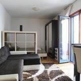 Economy Apartment, Mountain View - Living Area