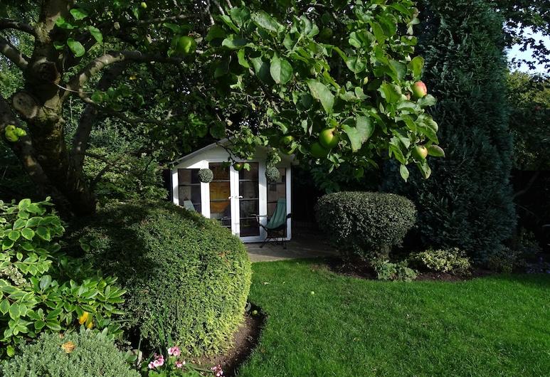 تشوتا كوثي, Newcastle-Under-Lyme, حديقة