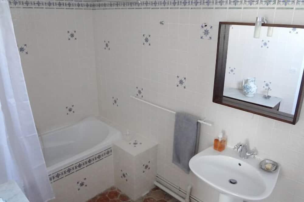 舒适双人房 - 浴室