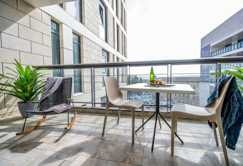 Luxury 2R Best location Amazing terrace, Jerusalem, Deluxe Apartment, 1 Double Bed with Sofa bed, City View, Balcony