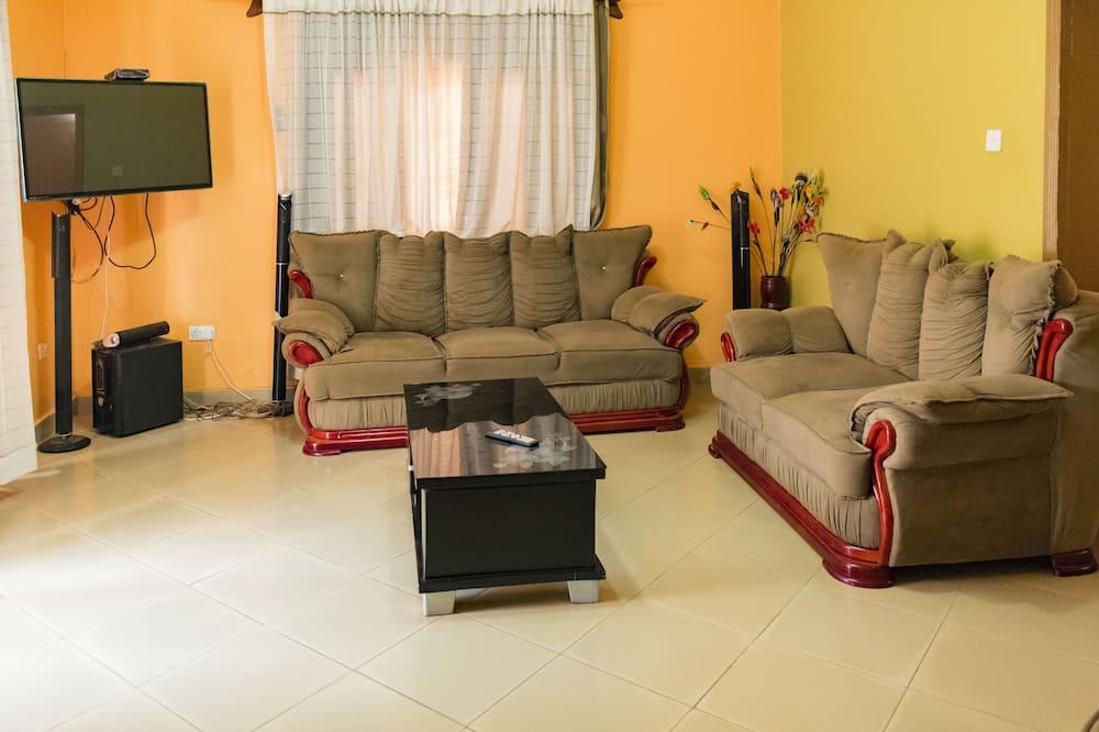 Māja - Dzīvojamā istaba