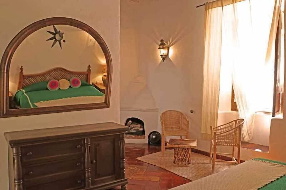 غرفة مزدوجة - سرير ملكي (Sol y Luna) - منطقة المعيشة