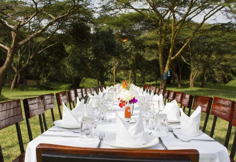 ماساي لودج, نيروبي, تناول الطعام بالخارج