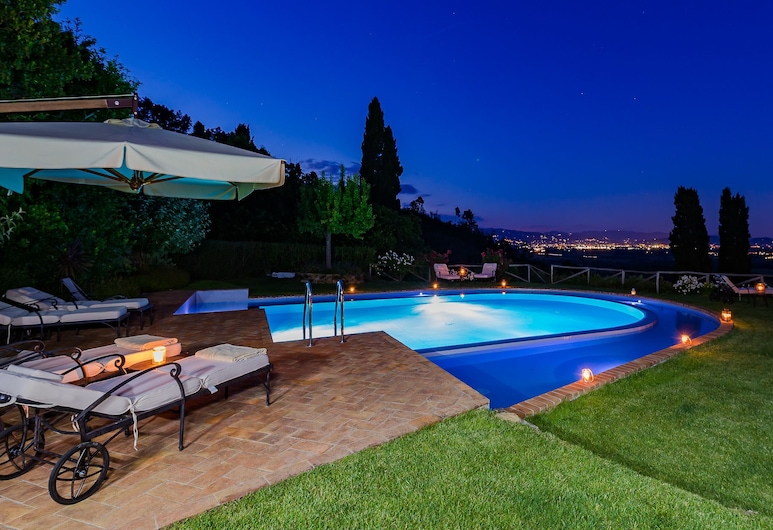Luxury 6-bed Tuscan Villa Near Lucca, Capannori, Villa, Multiple Beds, Pool