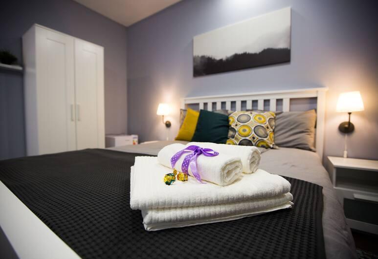 Отель Sleep Inn, Санкт-Петербург, Номер «Эконом», общая ванная комната, вид на внутренний двор, Номер
