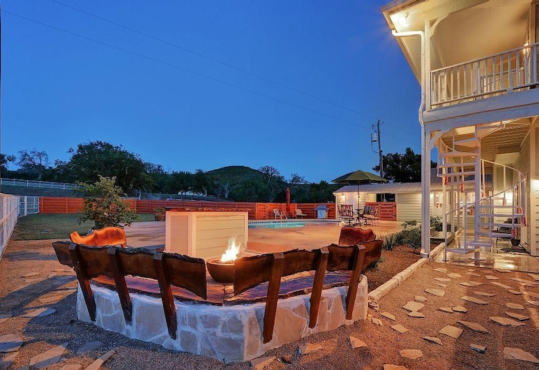 The Ranch at Cow Creek, a Luxury Experience for Groups and Events, Marble Falls, Baseinas