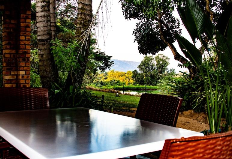 Masasana's Rest, Hazyview, Pagerinto tipo vasarnamis, vaizdas į kalnus, Terasa / vidinis kiemas