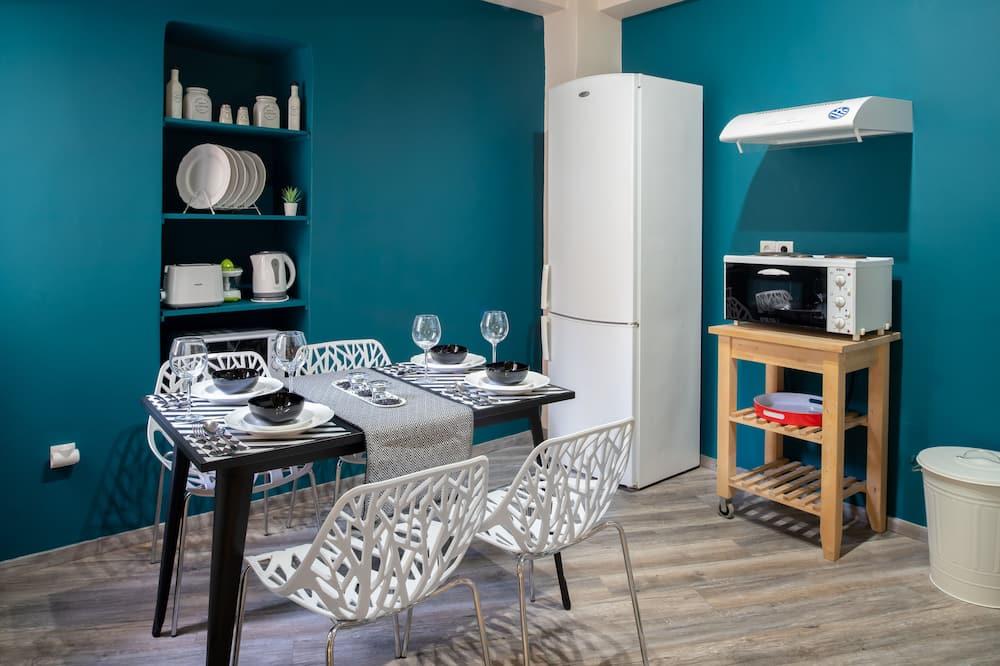 בית סיטי, 2 חדרי שינה - אזור אוכל בחדר