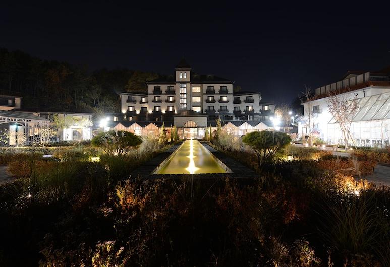 Eden Paradise Hotel, Icheon, Hotel Front – Evening/Night