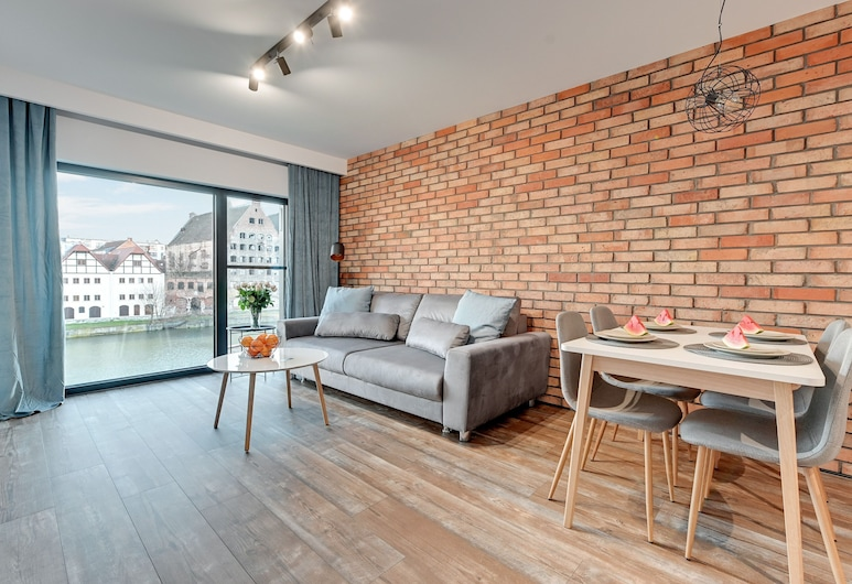 Boutique Aparthotel - Old Town Riverside, Gdansk, Deluxe Apartment, Living Room