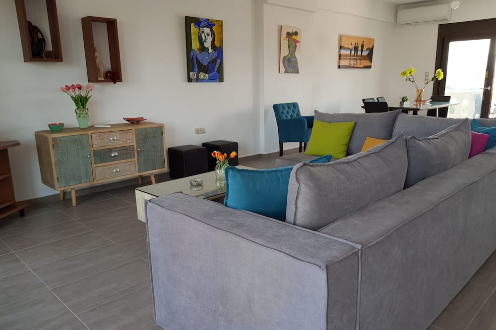 Deluxe House, 3 Bedrooms, Sea View - Living Room