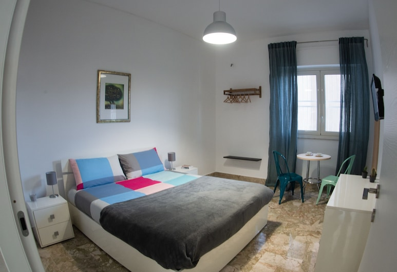Be Central Guesthouse, Palermo, Camera doppia, vista cortile, Camera