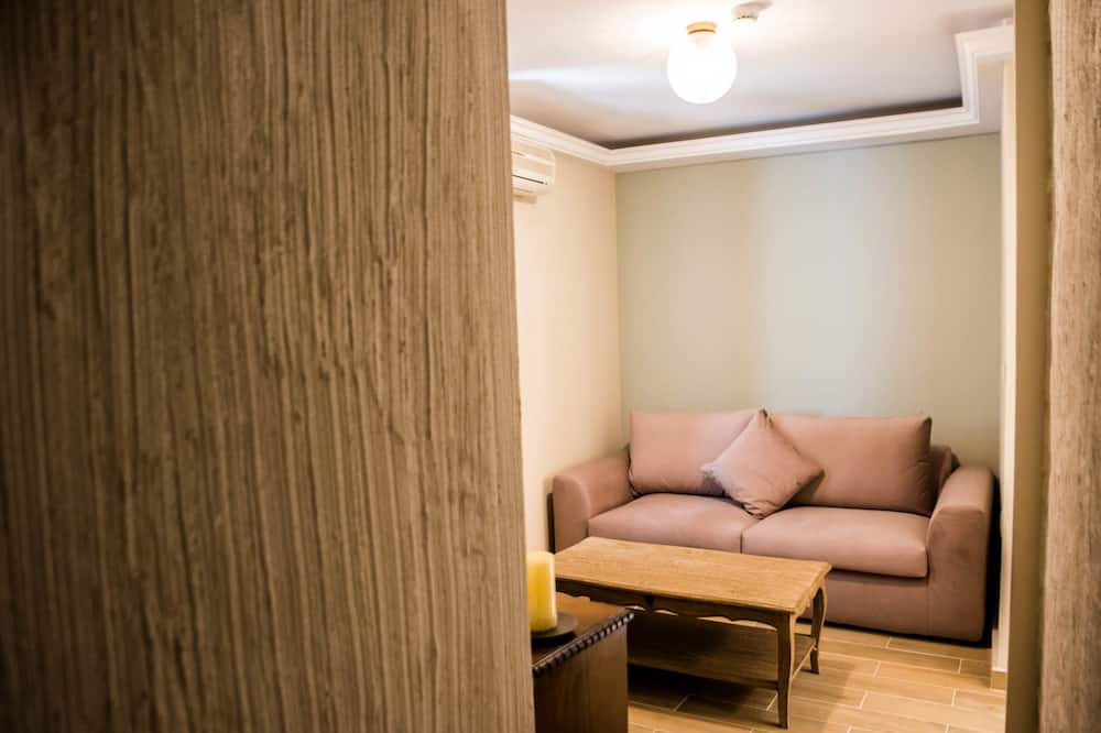 Executive Σουίτα, 2 Υπνοδωμάτια, Στην αυλή (Ground Floor) - Περιοχή καθιστικού