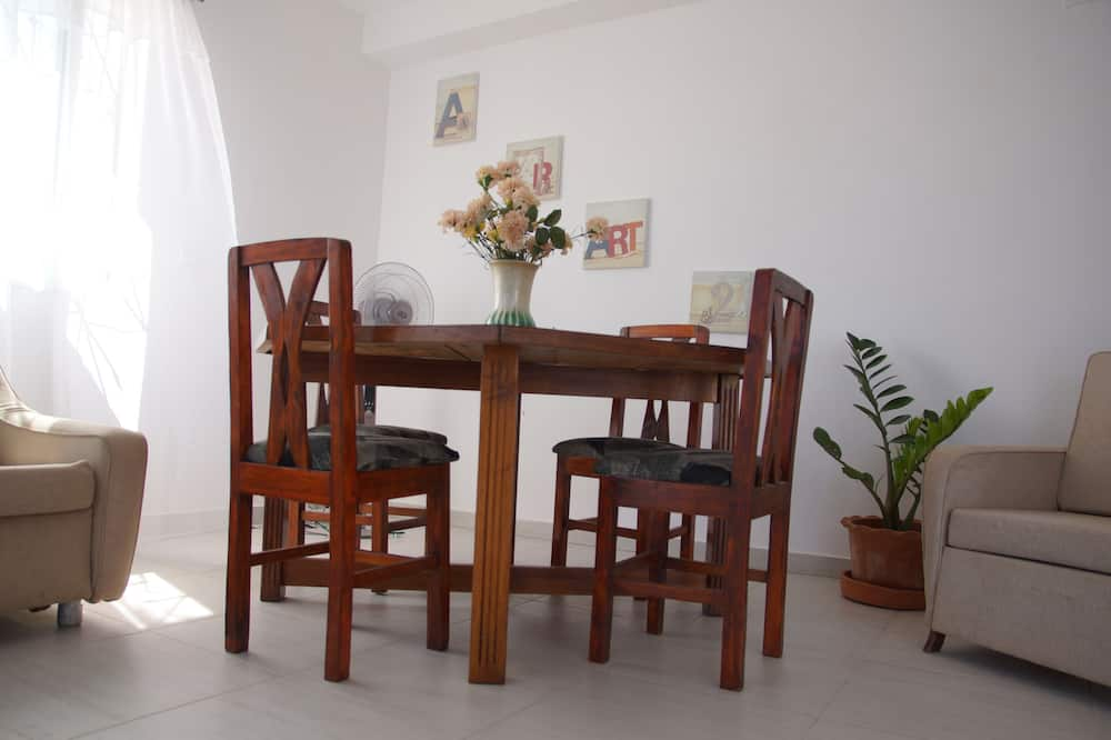 Comfort Διαμέρισμα, 2 Υπνοδωμάτια, Θέα στην Παραλία - Γεύματα στο δωμάτιο