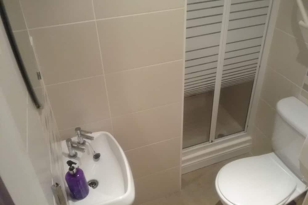 Pokoj se dvěma jednolůžky, vlastní koupelna - Koupelna