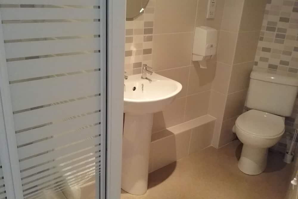 Standardní pokoj se dvěma jednolůžky, vlastní koupelna - Koupelna