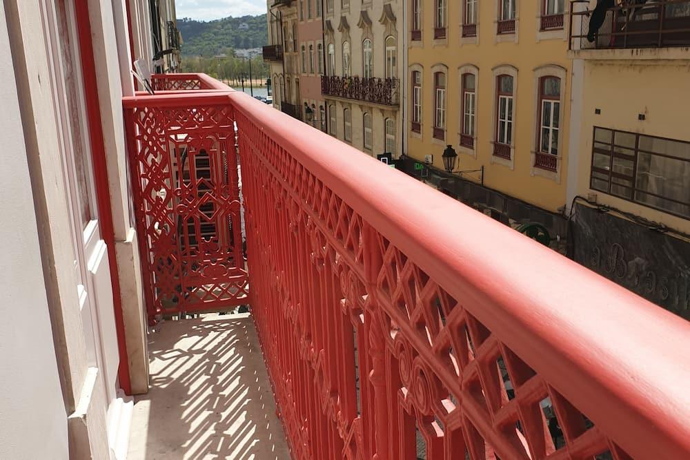 Deluxe Room, Balcony, City View - Balcony