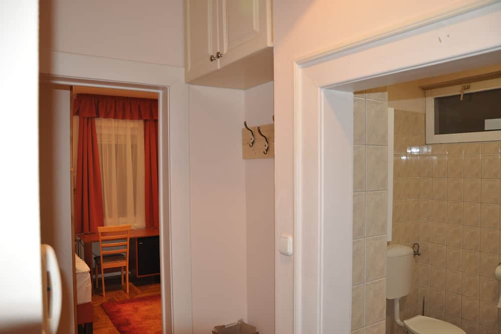 Standardna soba, 2 kreveta za jednu osobu, pogled na dvorište - Soba za goste