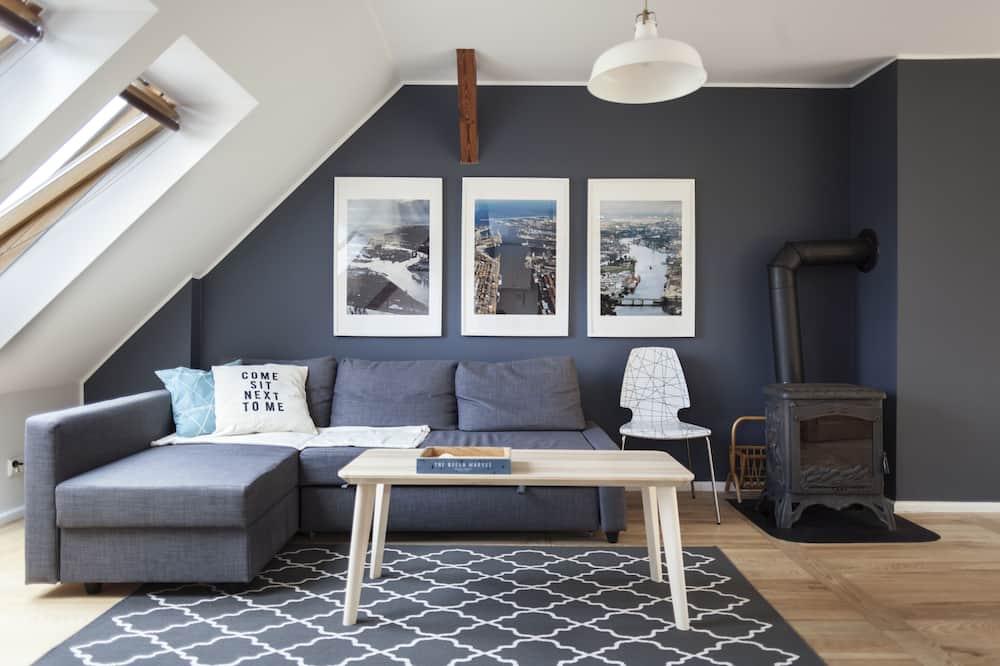 Apartment, 3 Bedrooms, Garden View - Living Room