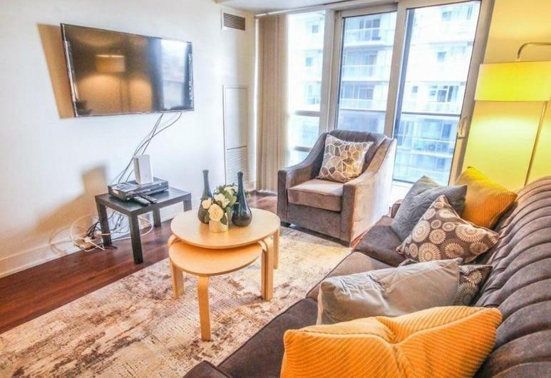 Sarkar Suites - Financial Dist., Toronto, Business Condo, Multiple Beds, City View, Living Area