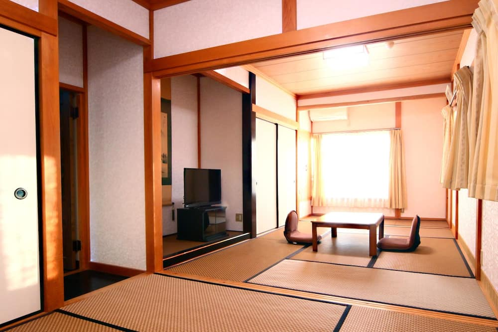 Japanese Style with Shared Bathroom, Run of House, for 2 to 3 Guests - Guest Room