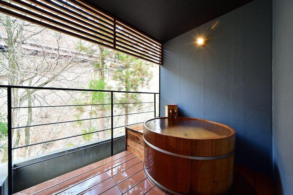 Apple Orange with Private Open-air Bath, Terrace, Bouldering Wall, 2 Stories - Bathroom
