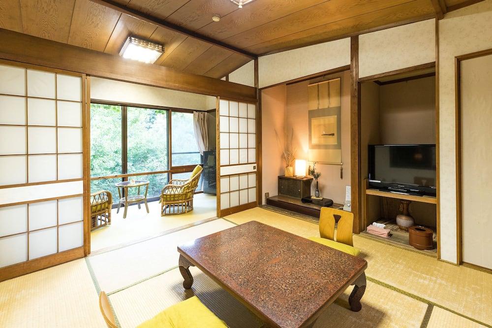 Traditional Room (Japanese Style, Triple) - Bilik Tamu