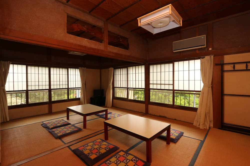 Traditional Room (Japanese Style for 6 Guests) - Bilik Tamu
