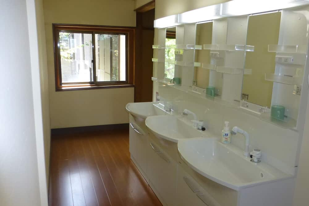 Traditional Oda (Japanese Style, for 3 Guests) - Banyo Lavabosu