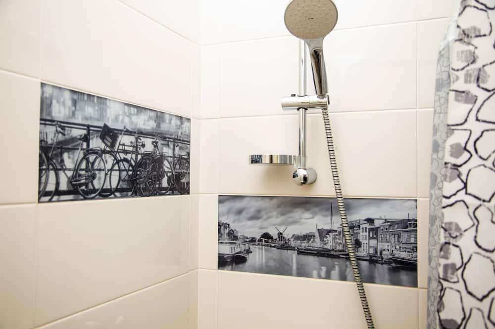 Studio, 1 lit double, vue cour intérieure (7) - Salle de bain