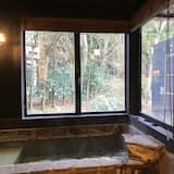 Kamar Twin Superior (with Private Partial Open-air Bath) - Bathtub spa pribadi