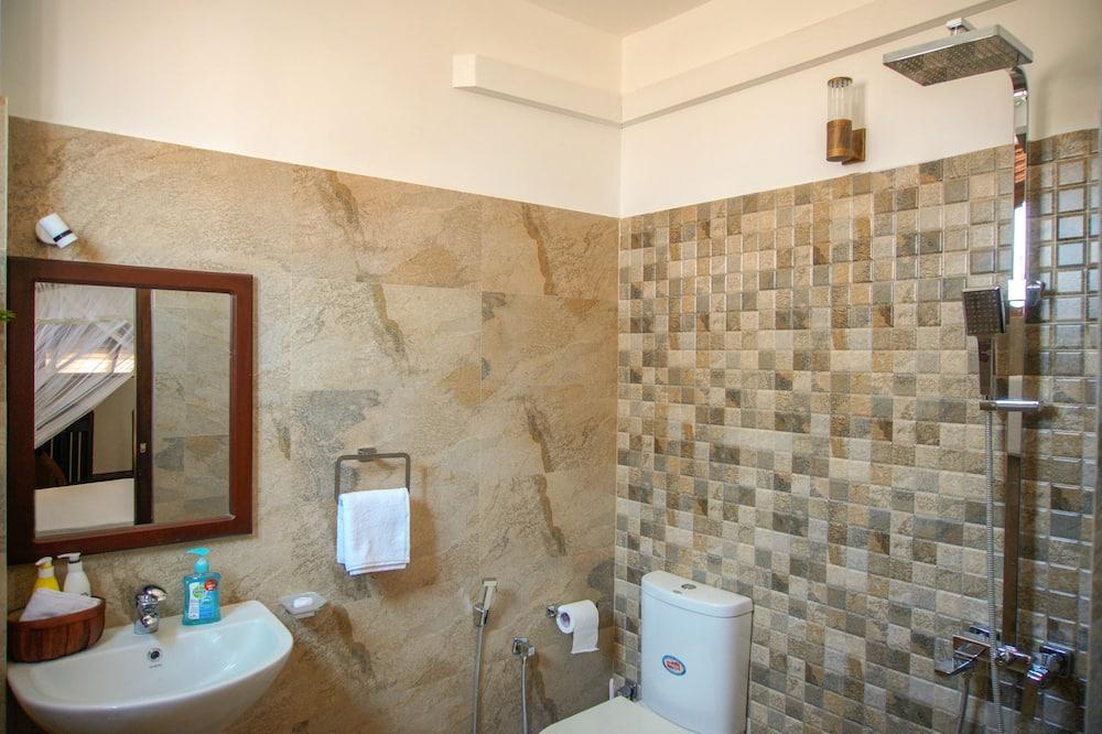 חדר דה-לוקס, מיטת קווין - חדר רחצה