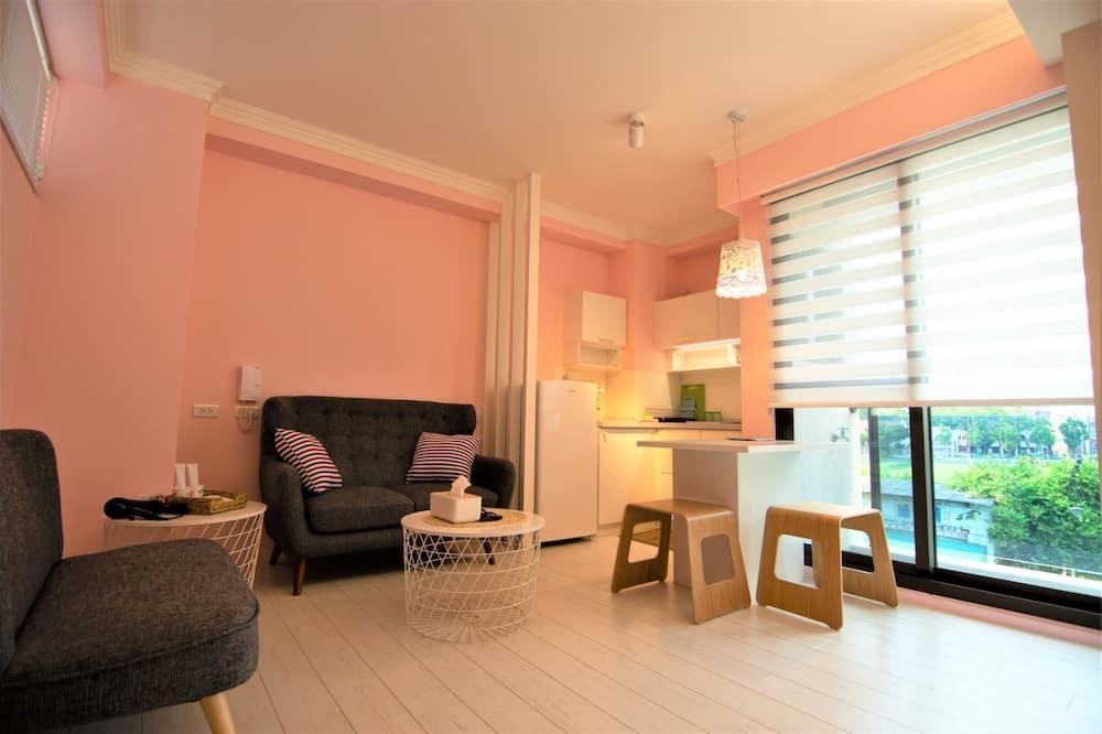 ロマンティック ダブルルーム ダブルベッド 1 台 禁煙 キッチン - リビング エリア