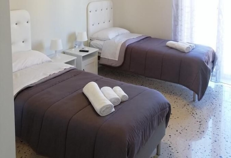 Casagioiosa18, Palermo, Classic Double or Twin Room, Guest Room