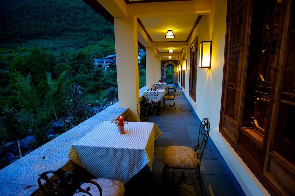 Deluxe Double Room - Balcony View