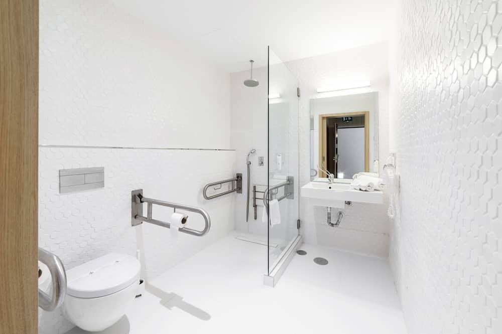 Tek Büyük Yataklı Oda, 1 Büyük (Queen) Boy Yatak, Engellilere Uygun - Banyo