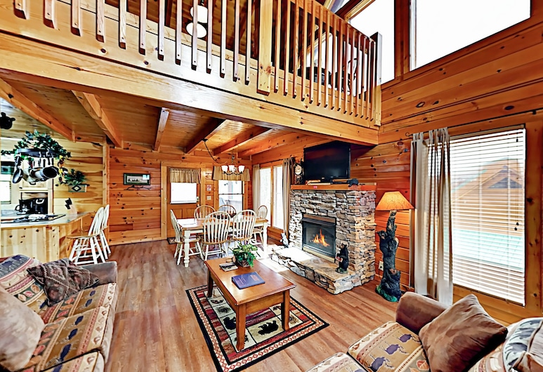 Eastern Sky Mountain Retreat - 2 Br Home, Pigeon Forge