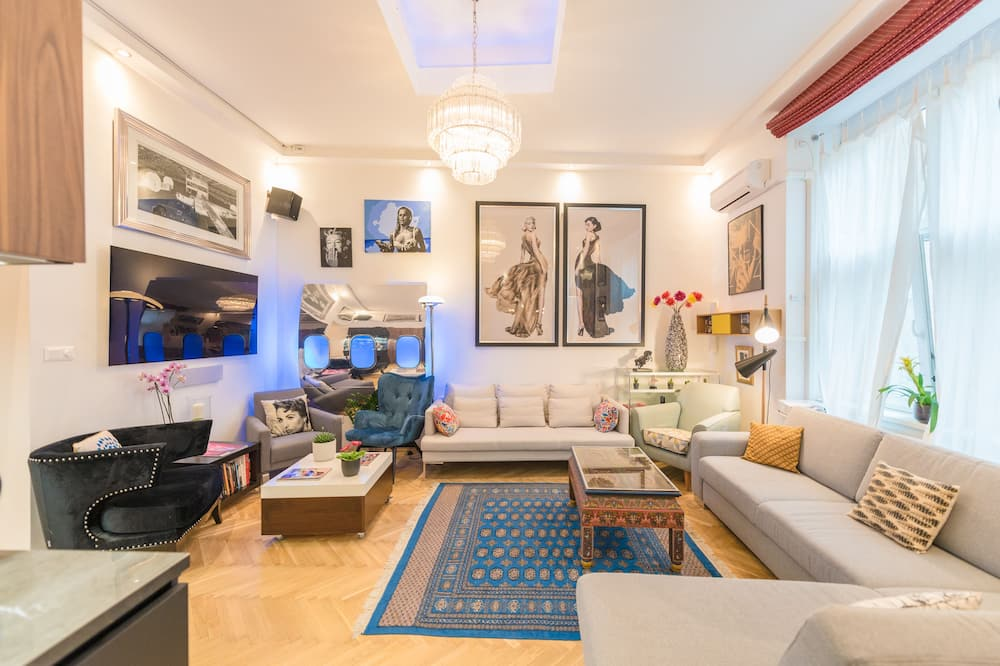 엘리트 아파트, 침대(여러 개), 마당 전망 - 거실