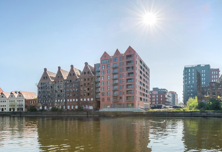 Apartinfo Apartments Waterlane Island, Gdansk, Voorkant van de accommodatie